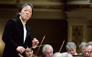 Koreli orkestra şefi ve piyanist olan Chung Myung-whun, Fransa'daki Opéra National de Paris'te müzik genel müdürü ve daimi orkestra şefi olarak çalışmıştır. Temmuz 2013 tarihinde Venedik'te bulunan Fenice Tiyatrosu'ndan Yaşam Boyu Müzik Ödülüne layık görülmüştür.